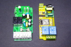 The Sonoff Dual (left) and the Electrodragon (right) face to face in the nude